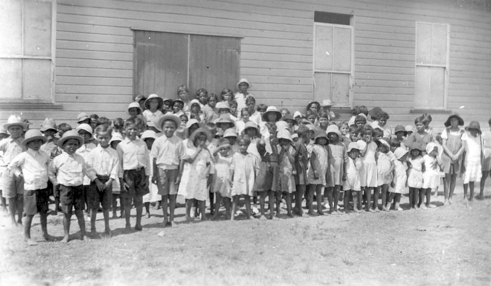 children-at-welfare-hall-at-barambah-aboriginal-settlement_1930s