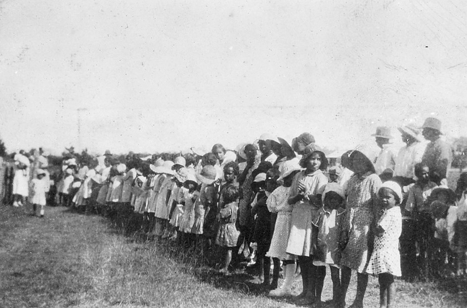 Children in line at Cherbourg c1940