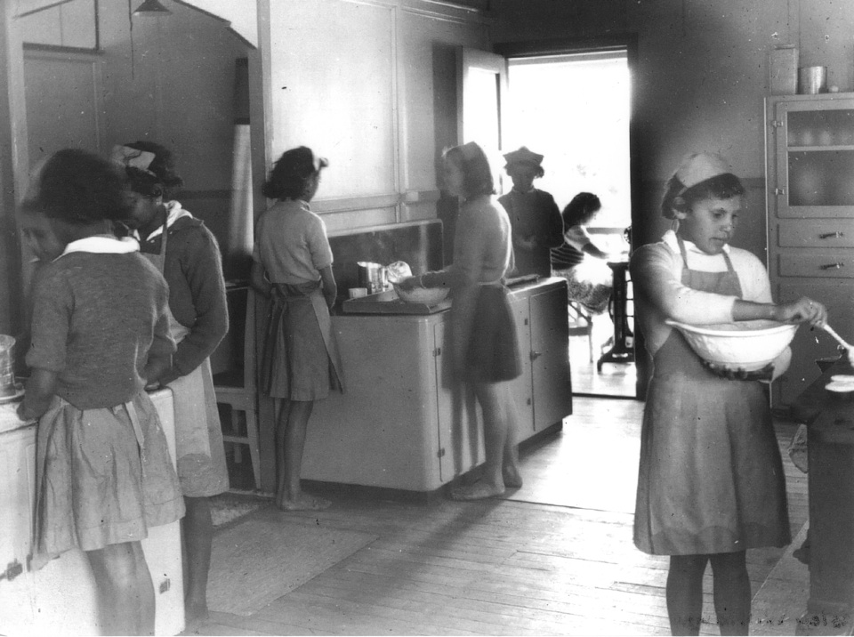 Class-at-Cherbourg-Domestic-Science-building_1946