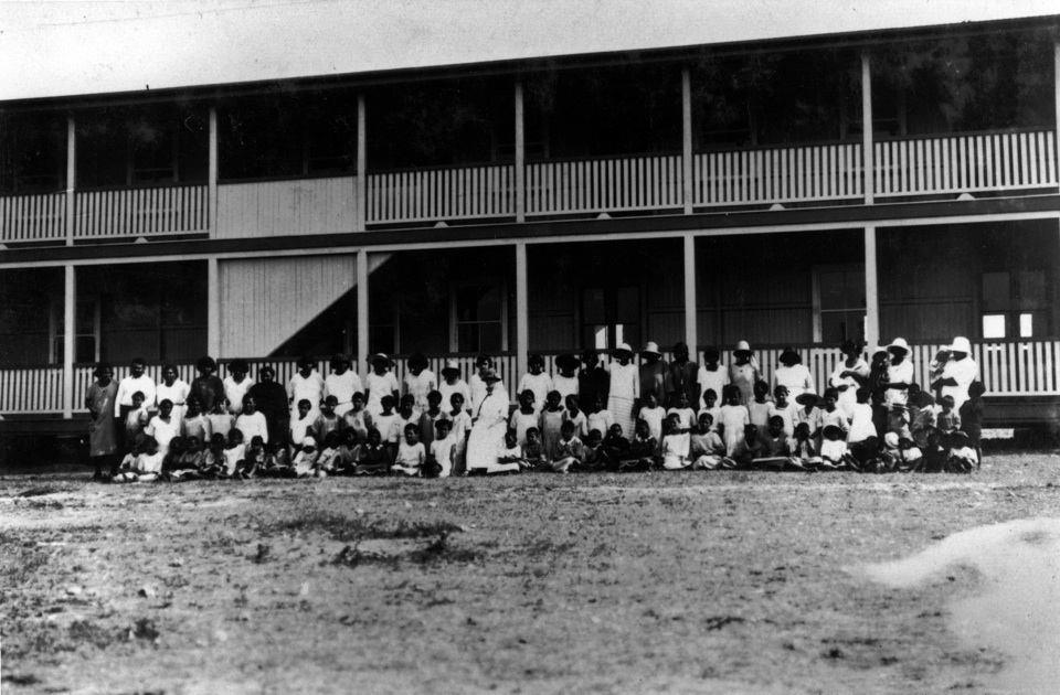 Group-at-the-Girls-Dormitory-in-Barambah_1930s