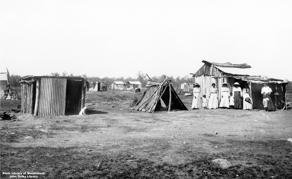 Huts-at-Barambah-Aboriginal-Settlement_1911