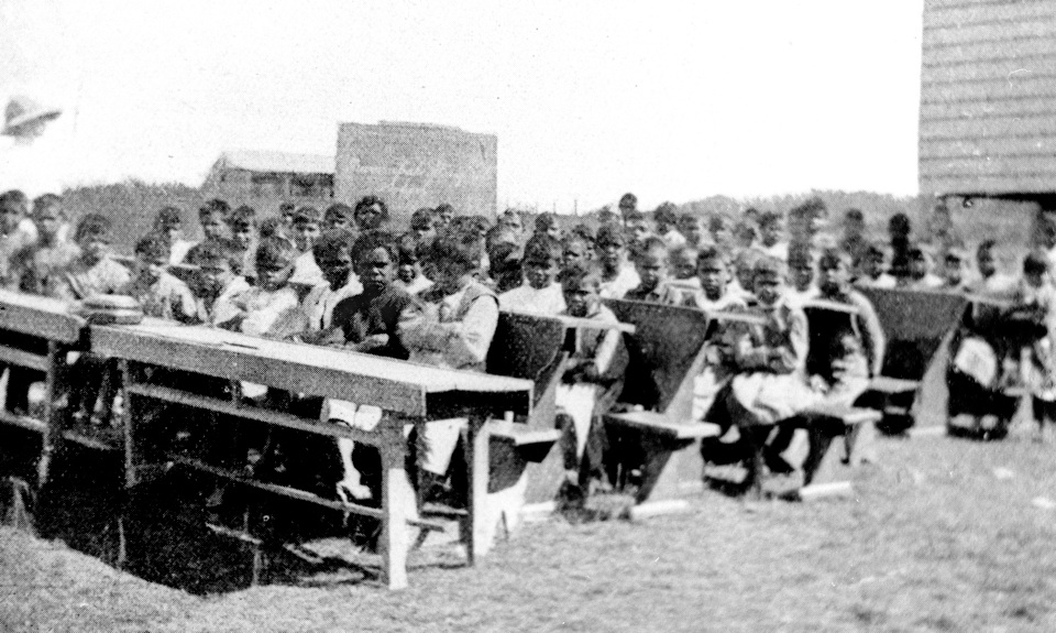 Outdoor-class-at-Barambah-Aboriginal-Settlement-School_1912