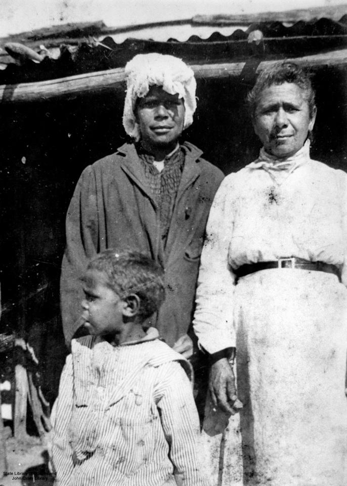 Women and child at Barambah Aboriginal Settlement 1905